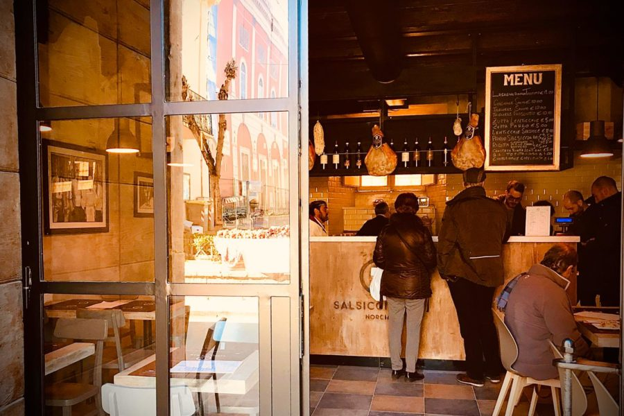 Salsiccia Bar Ingresso